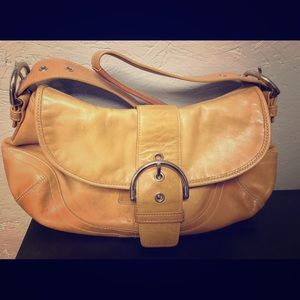 Beautiful leather COACH handbag. Like new.